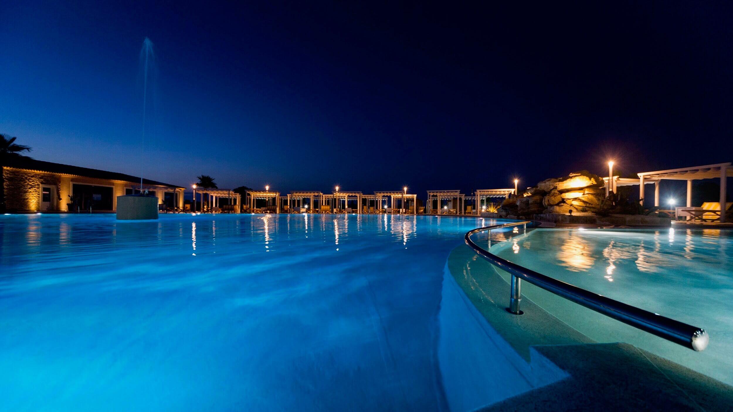 Piscina, relax, night, hotel casale milocca siraucusa