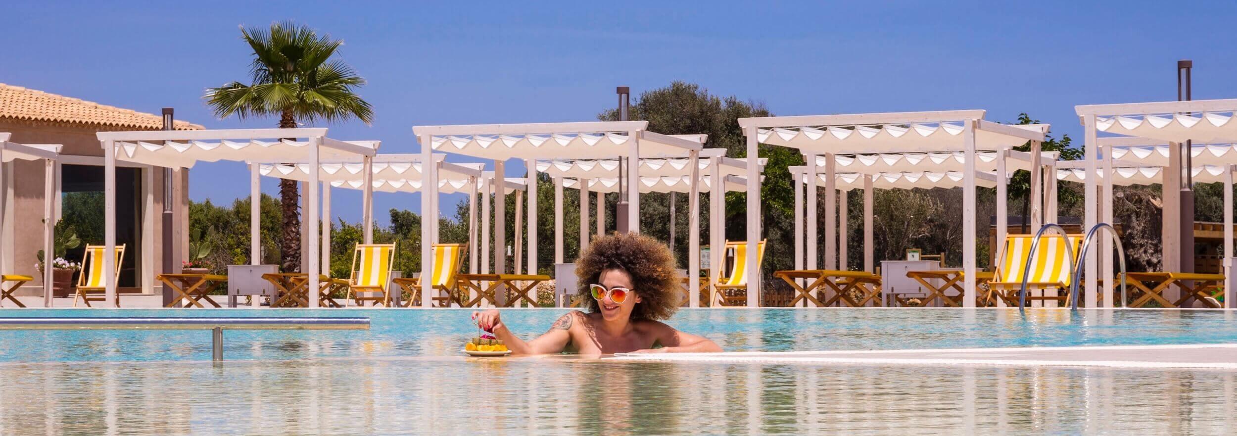 Piscina, solarium, relax, hotel casale milocca siracusa