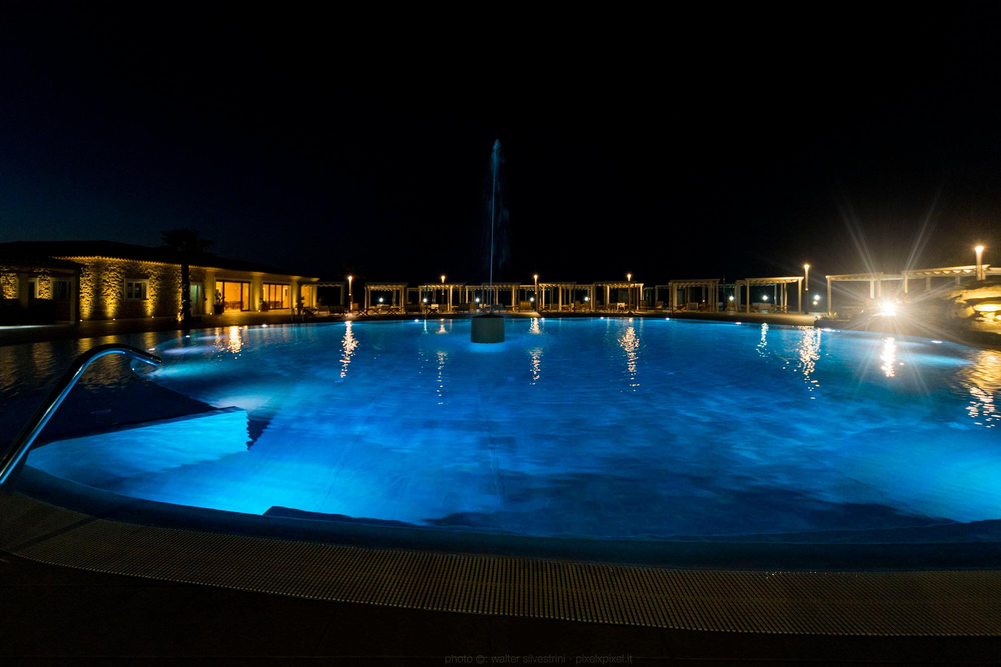 Piscina solarium hotel siracusa casale milocca for Hotel piscina