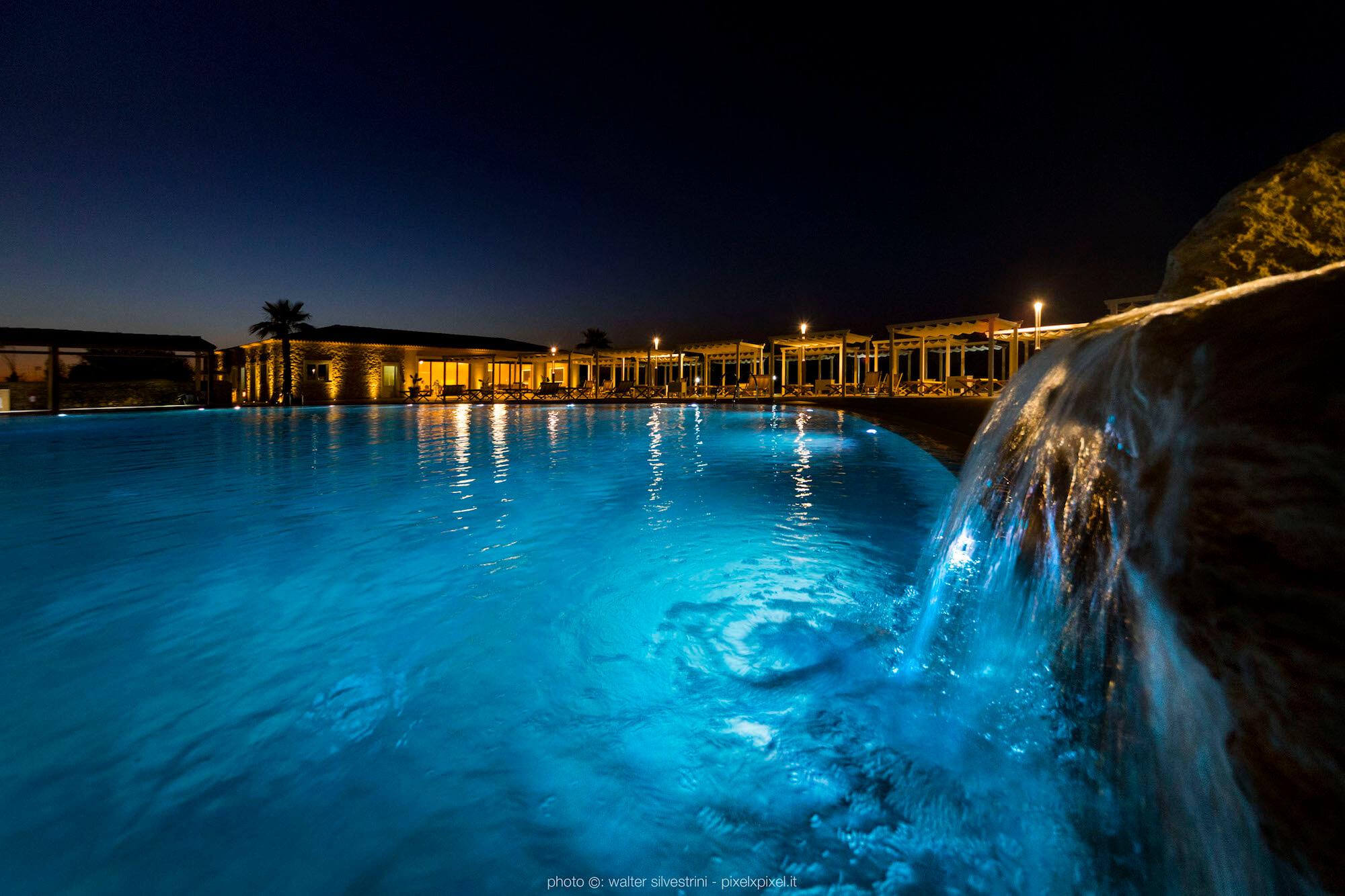 Piscina solarium hotel siracusa casale milocca for Hotel resort siracusa